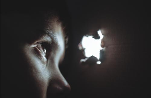 Bones pràctiques per detectar el maltractament infantil i intervenir-hi